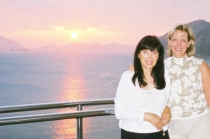 Renata & Pamela in Hong Kong, 2006